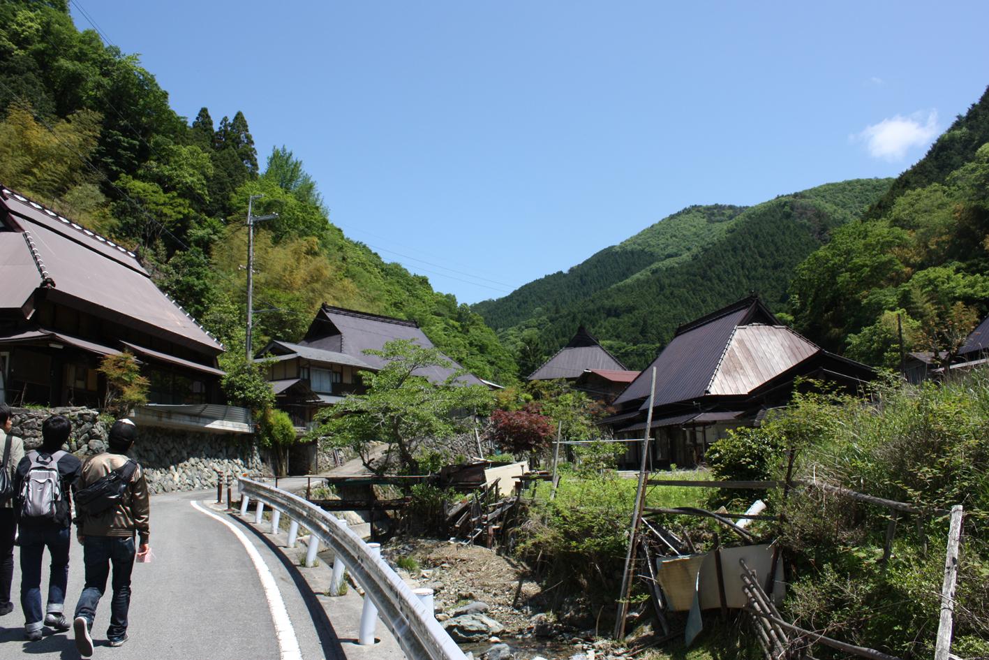 05.29 佐用町に若洲学生村がオープン!: RYO NISHIKAWA BLOG